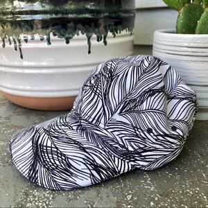 Lululemon white and black print hat